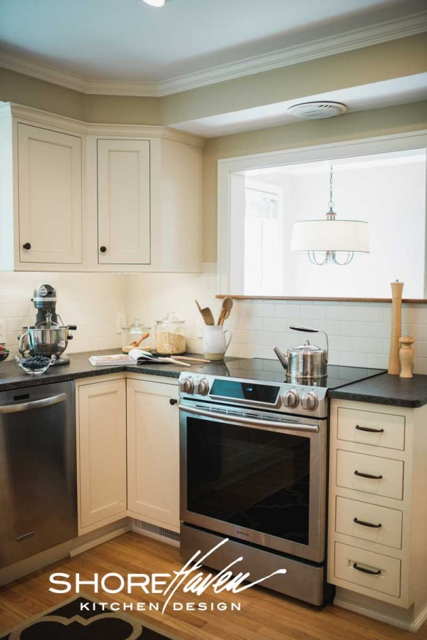 Classic White Kitchen Shorehaven Kitchens